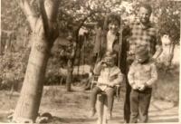 S rodinou, začiatok 70. rokov