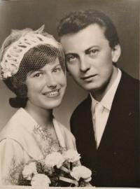 S nevestou Klárou, 1961