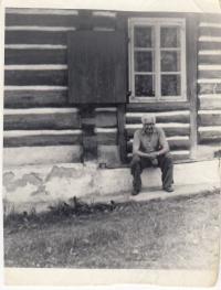 Father od Kamila Karnikova JUDr. Frantisek Marik at his cottage near Velhartice, where his family spent free time since 1968