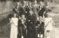 František Lízna, first Holy Communion, upper row in the middle