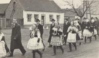 1950 - the wedding of a friend from Vacenovice, Antonia on the right in the back in the folk costume with scarf