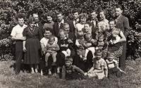 širší rodina 50. léta