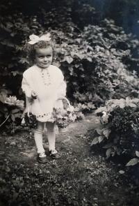 Jarmila in 1940