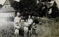 Grandparents Josef and Božena Kasparides with grandchildren Ludmila, Radslava and Simona
