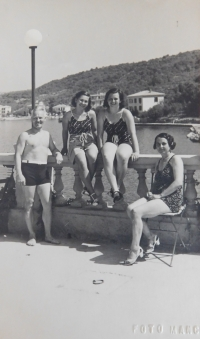 The Kasparides family in 1938 on holiday in Yugoslavia