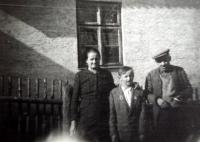Parents and brother of Marie Antošová in 1947