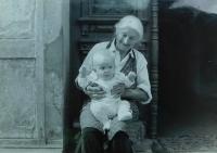 Růžena Dobrovolná with her grandson in Králíky