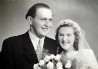 Wedding photo of the memorial