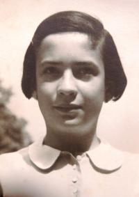 Eva Taussová. Brno, 30. léta 20. století.