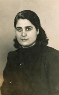 Witness' mother, Christina, 1951