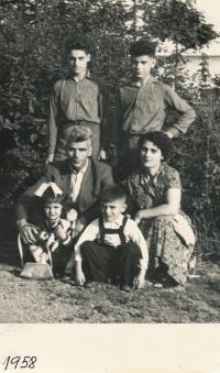 The Papasavoglu family in Těchonín, 1958