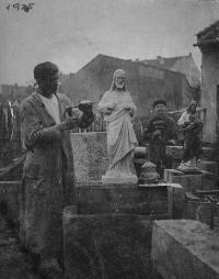 Zdenka Vévodová's father Martin Stehlíček (on the left) as an apprentice (1925)