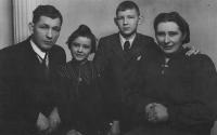 Zdenka Vévodová with her parents and brother (1944)