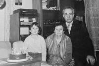 Rudolf and Věra Buxbaum with their son Jindřich in 1959