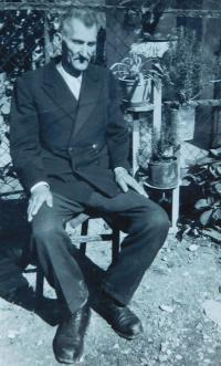 Grandfather Savo Šobota in the village of Laktaši in Yugoslavia