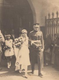 Wedding of her mother and father, Poděbrady, 1929